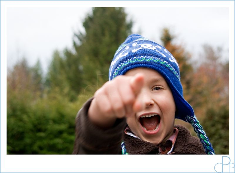 Child_pointing_laughing