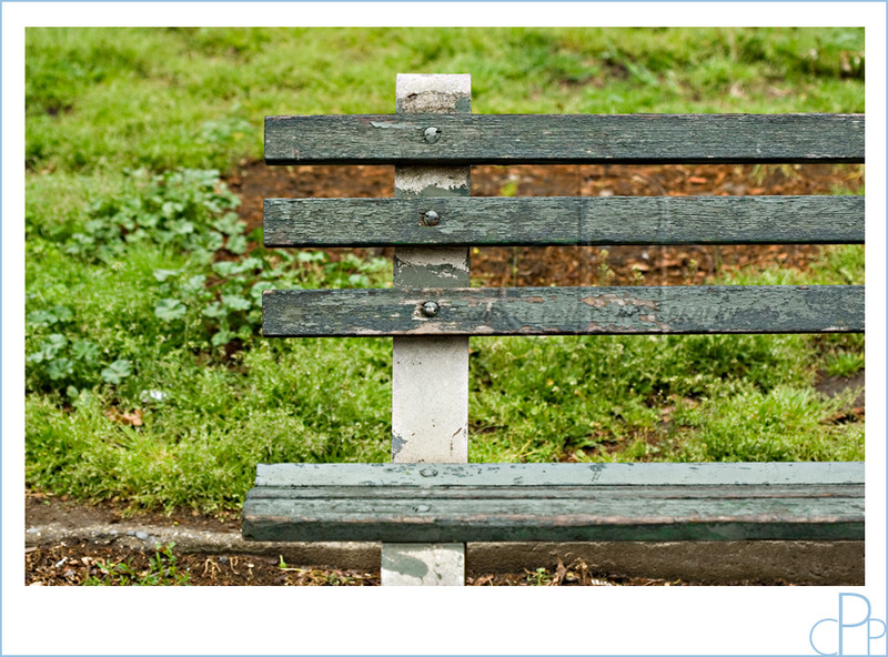 Green_park_bench